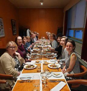Suomen Dante-seurat keskustelivat vasta perustetusta Rete dantescasta Helsingissä 30.8.2019 ravintola Lasipalatsissa